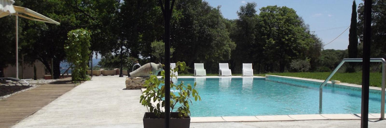 Gîtes en Ardèche avec Piscine